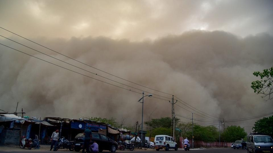 15 killed in UP as dust storms hit north India