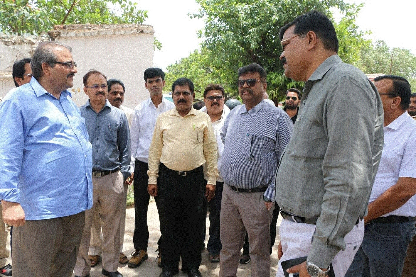 Collector inspects Trauma Centre at Distt Hospital