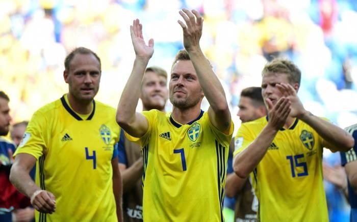 Sweden bury opening jinx