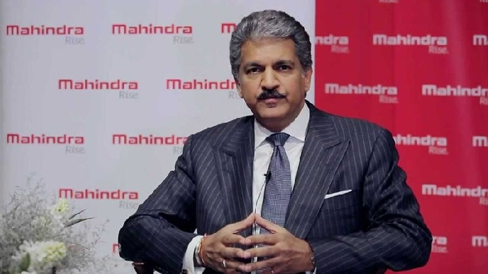 Not right to find fault with Govt for lack of EV policy: Mahindra