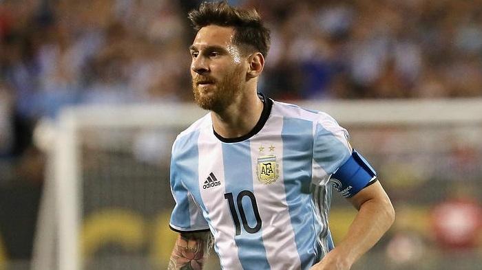 Can Messi shoulder Argentina's hopes?
