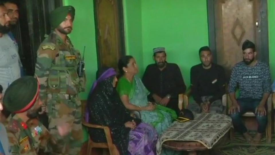 Nirmala meets martyred jawan's family