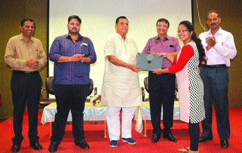 Laptops distributed at Sanjay Rungta Group of Institutions