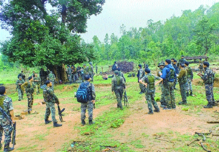 6 security personnel killed as Maoists trigger landmine blast in Jharkhand