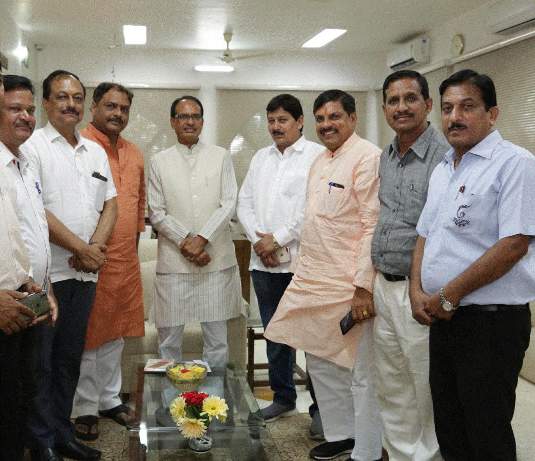 MPOA delegation meets CM