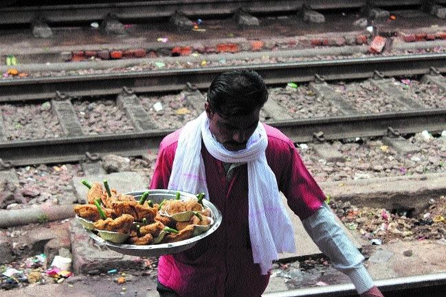 Food plazas of Bhopal, Habibganj stations under CCTV surveillance
