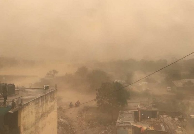 17 killed in UP dust storm