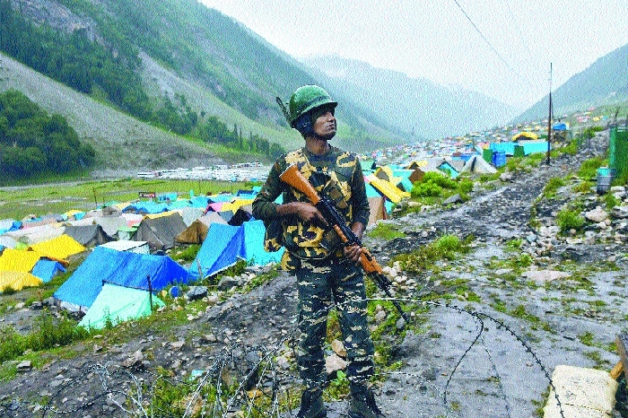 Amarnath Yatra suspended due to heavy rains