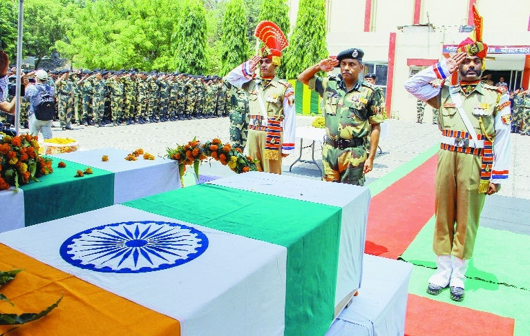 Two BSF men killed, 14 hurt as Pak targets Indian posts