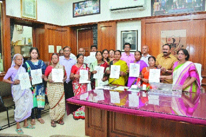 Mayor distributes flat allotment letters to displaced persons