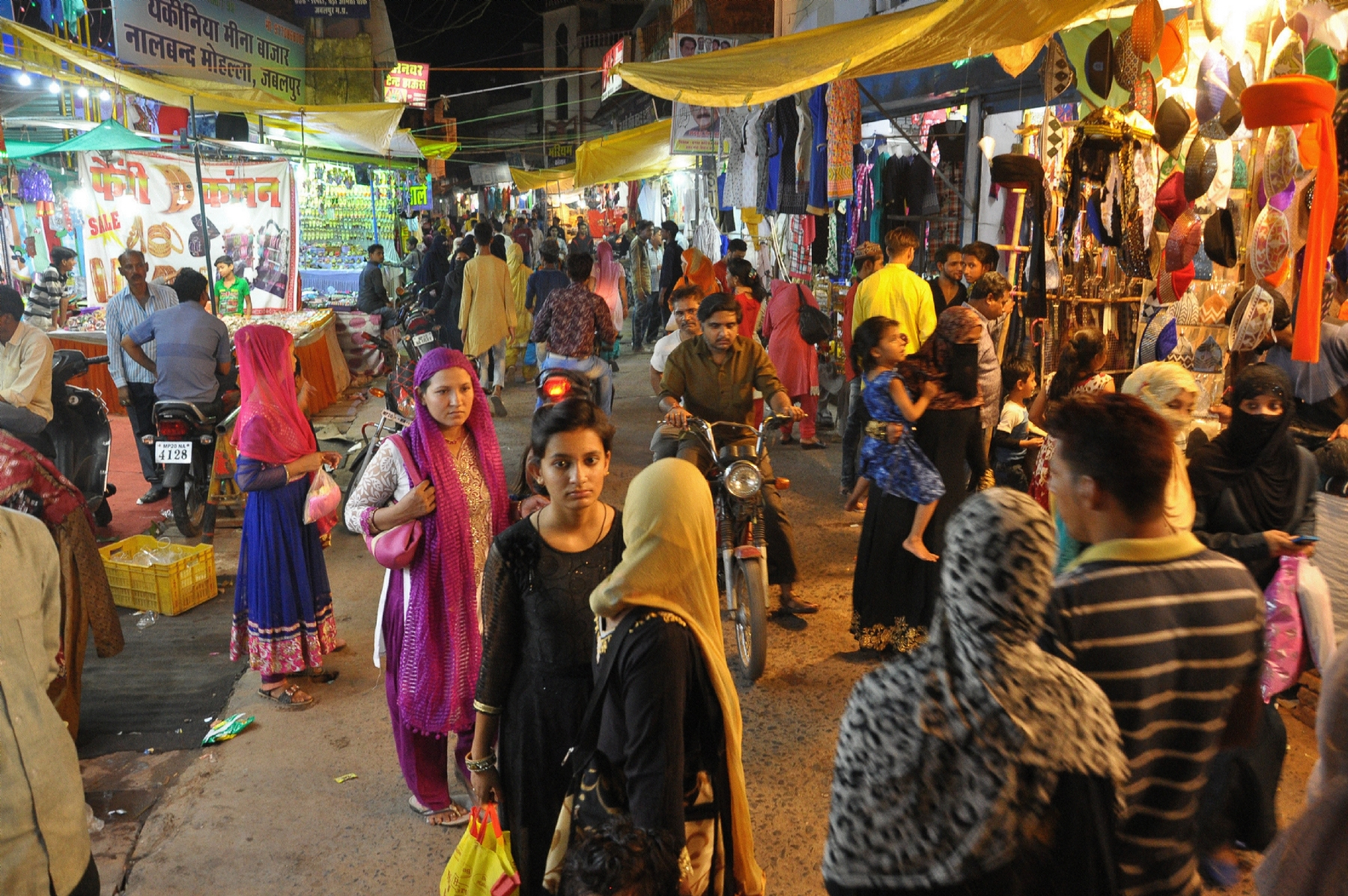 City twinkles as preparation for Eid commences