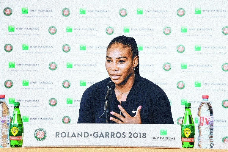 Serena faces Wimbledon fight