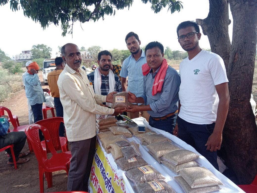 Organic farming, desi seeds dominate Beej Mahotsav