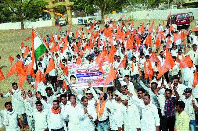 Gram Rojgar Sahayaks continue strike, holds 'Tiranga Yatra'