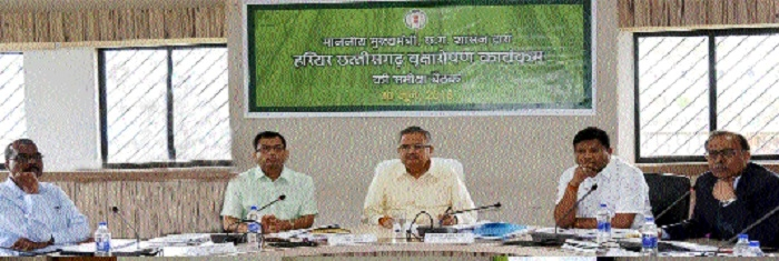 Dr Singh sets target of planting 7 crore saplings this year