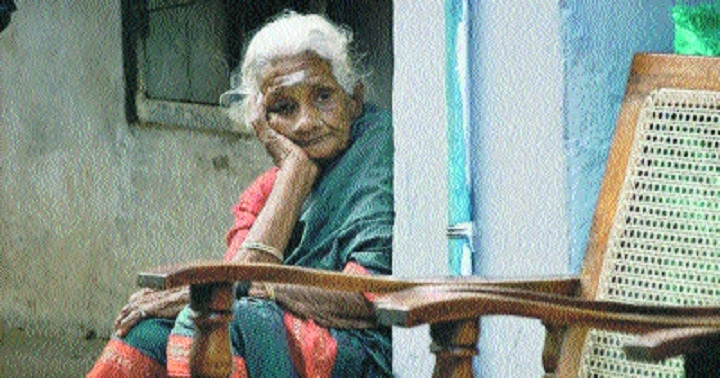 25% of elderly population living alone in India: Survey
