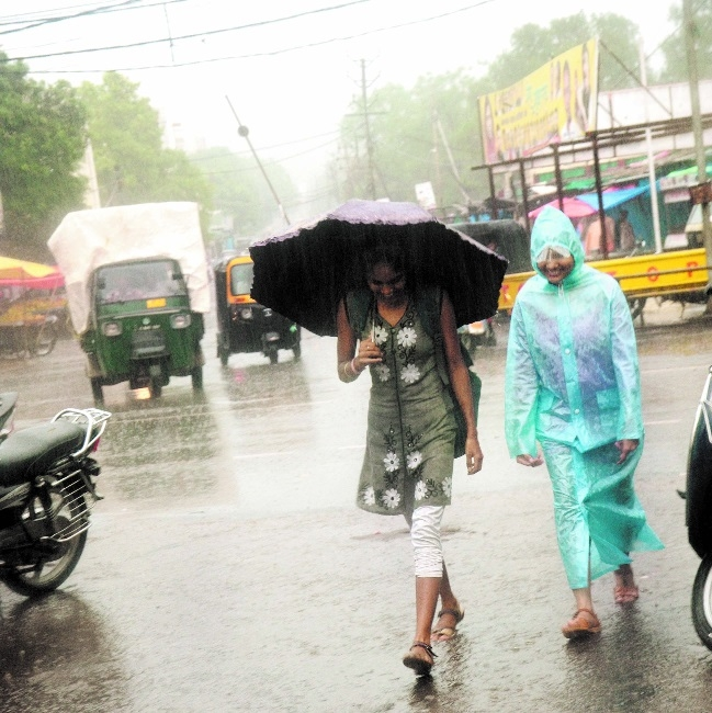 Rainfall drenches Bhopal and many other parts of State