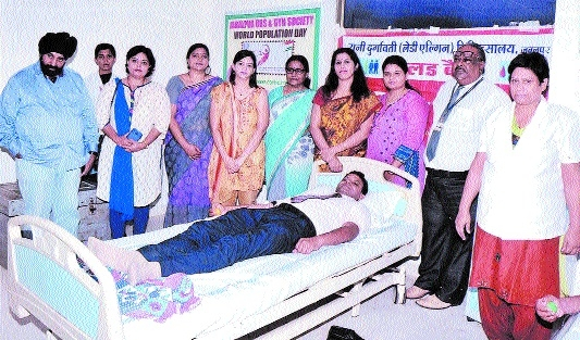 Rotary Club of Jabalpur Queen's holds blood donation camp at Shalby Hospital