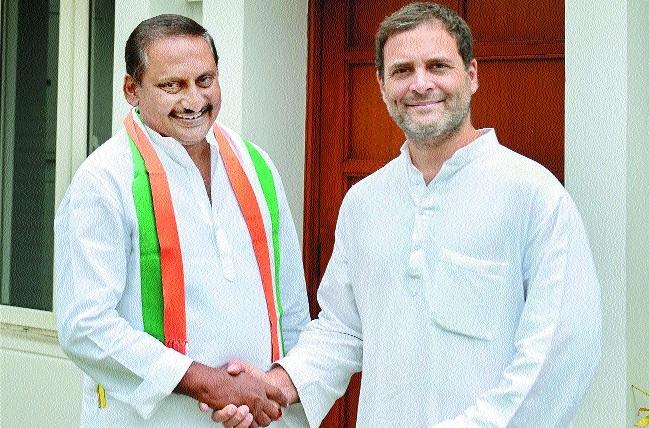 Former Andhra CM Reddy rejoins Cong