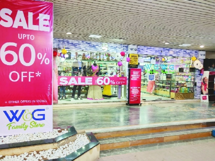 W&G and Bombaywala offer upto 60 per cent off on branded wear