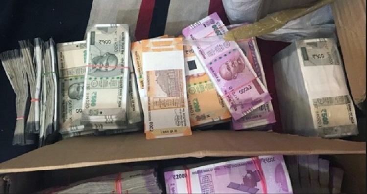I-T Deptt raids construction firm, seizes Rs 160 cr cash