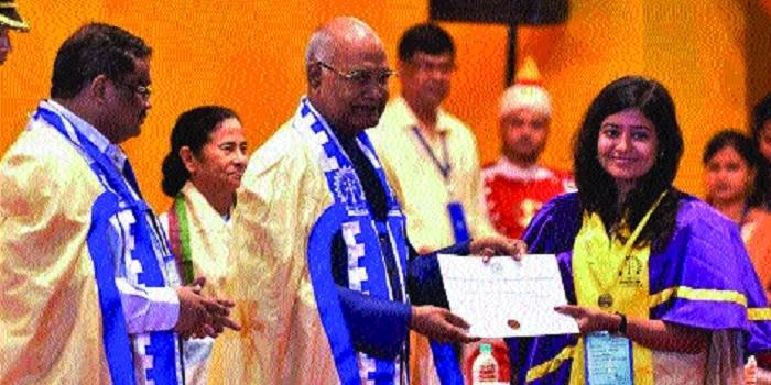 Bhilai lass Soumya Dubey gets Dr B C Roy gold medal