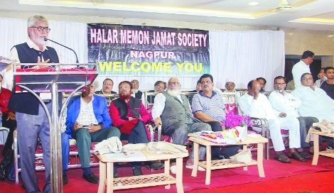 Give financial help to needy people in society, says Farooque Akbani