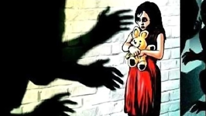 Youth, who stabbed girl at Laxmi Nagar, fled to Mumbai, say police