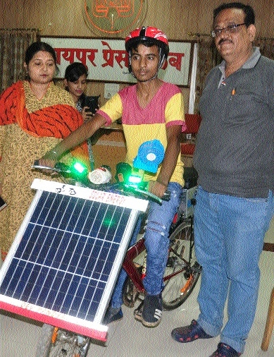 16-year-old Raipur lad invents solar bicycle