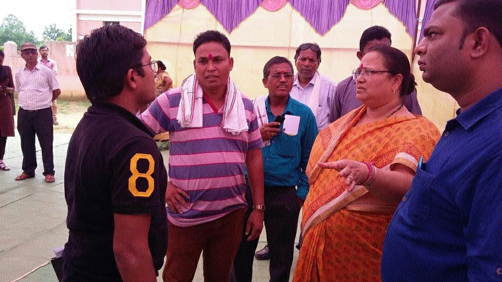 MLA Anila Bhediya lends ear to problems of villagers