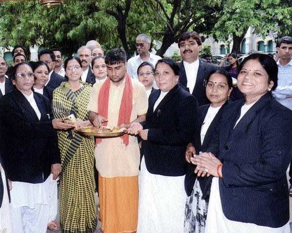 Advocates hold candle march for victims of Mandsaur, Satna