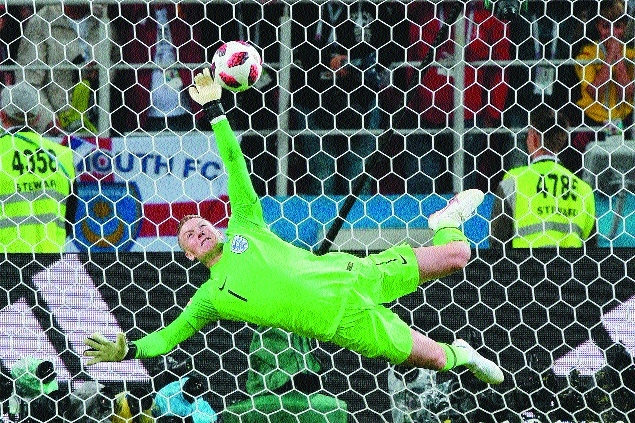 Pickford the hero as penalty curse ends