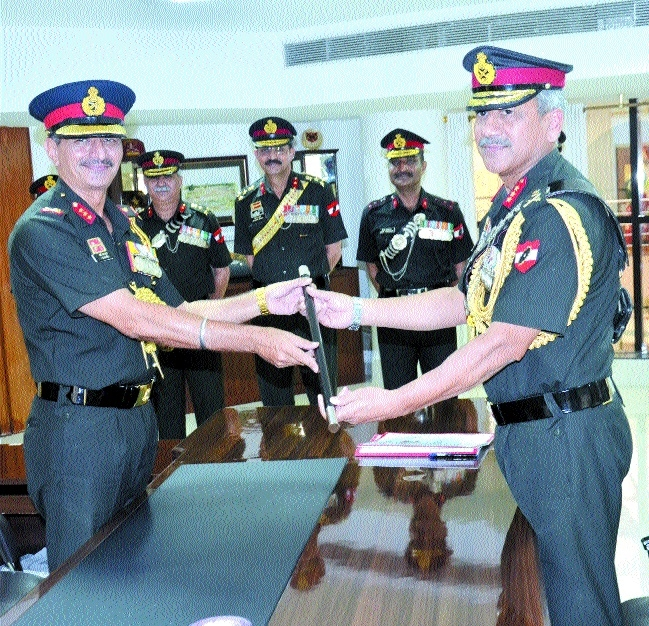 Lt Gen Ravendra Pal Singh assumes command of Sudharshan Chakra Corps