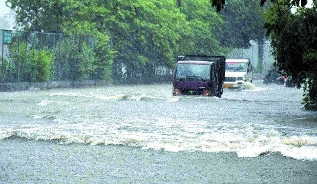 Heavy rains batter Bhopal, roads turn into rivulets