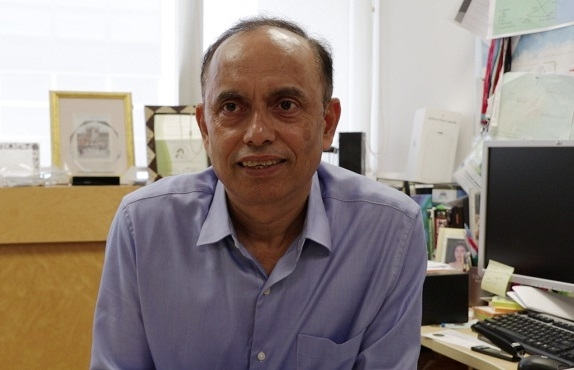 Indian scientist in race to head Chinese institute