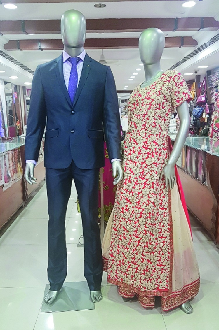 Flat 50% off at Gaysons The Fashion Mall