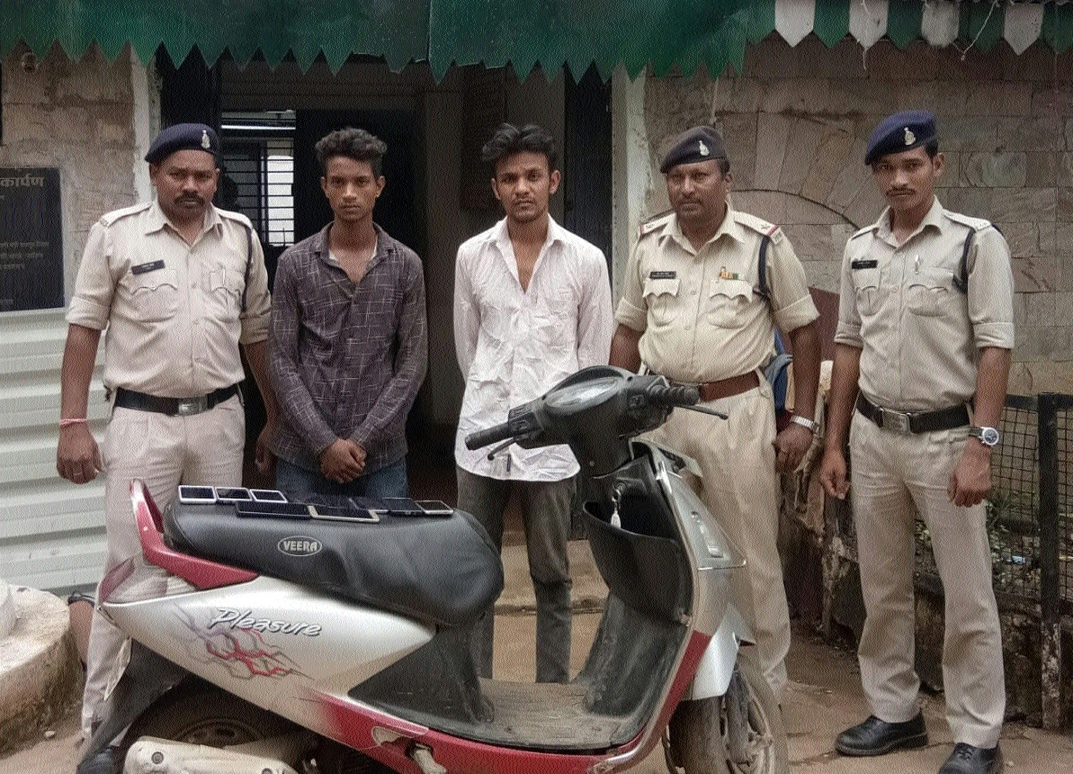 Sharpness of 55-year-old man helps to catch two miscreants