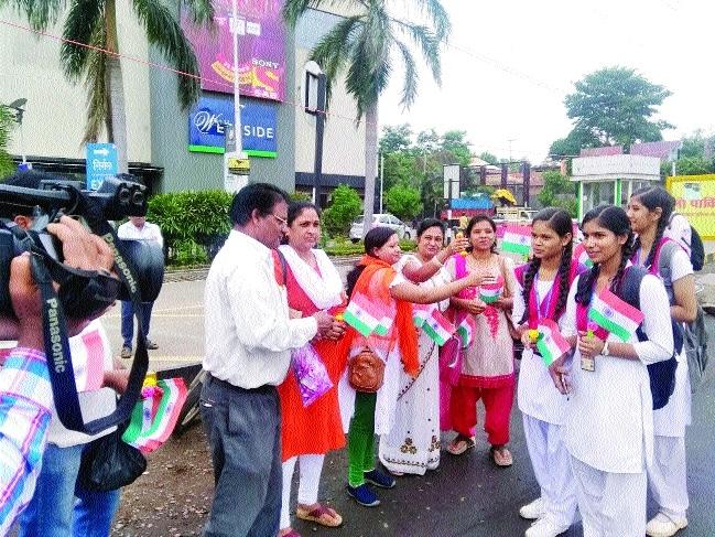 Contractual employees observe Samvida Gulami Diwas
