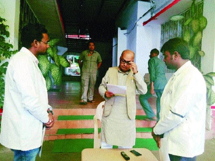 FM Jayant Malaiya meets junior homoeopathy doctors