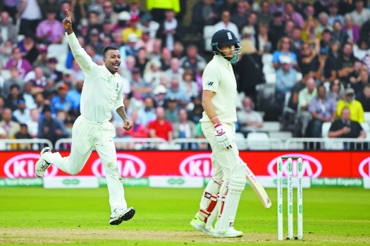 HARDIK PUTS INDIA ON TOP