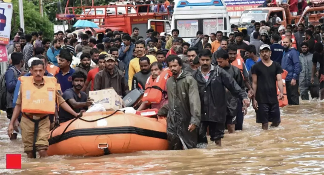 Thousands still waiting to be rescued in rain-battered Kerala