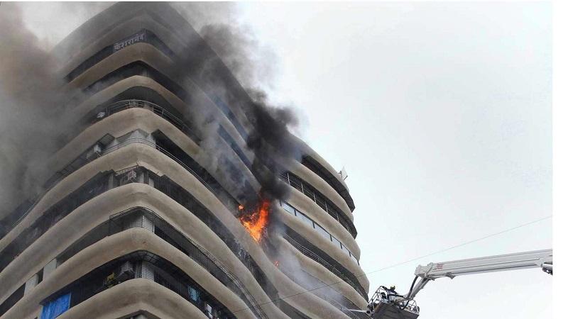 4 killed, 21 hurt in Mumbai high-rise fire