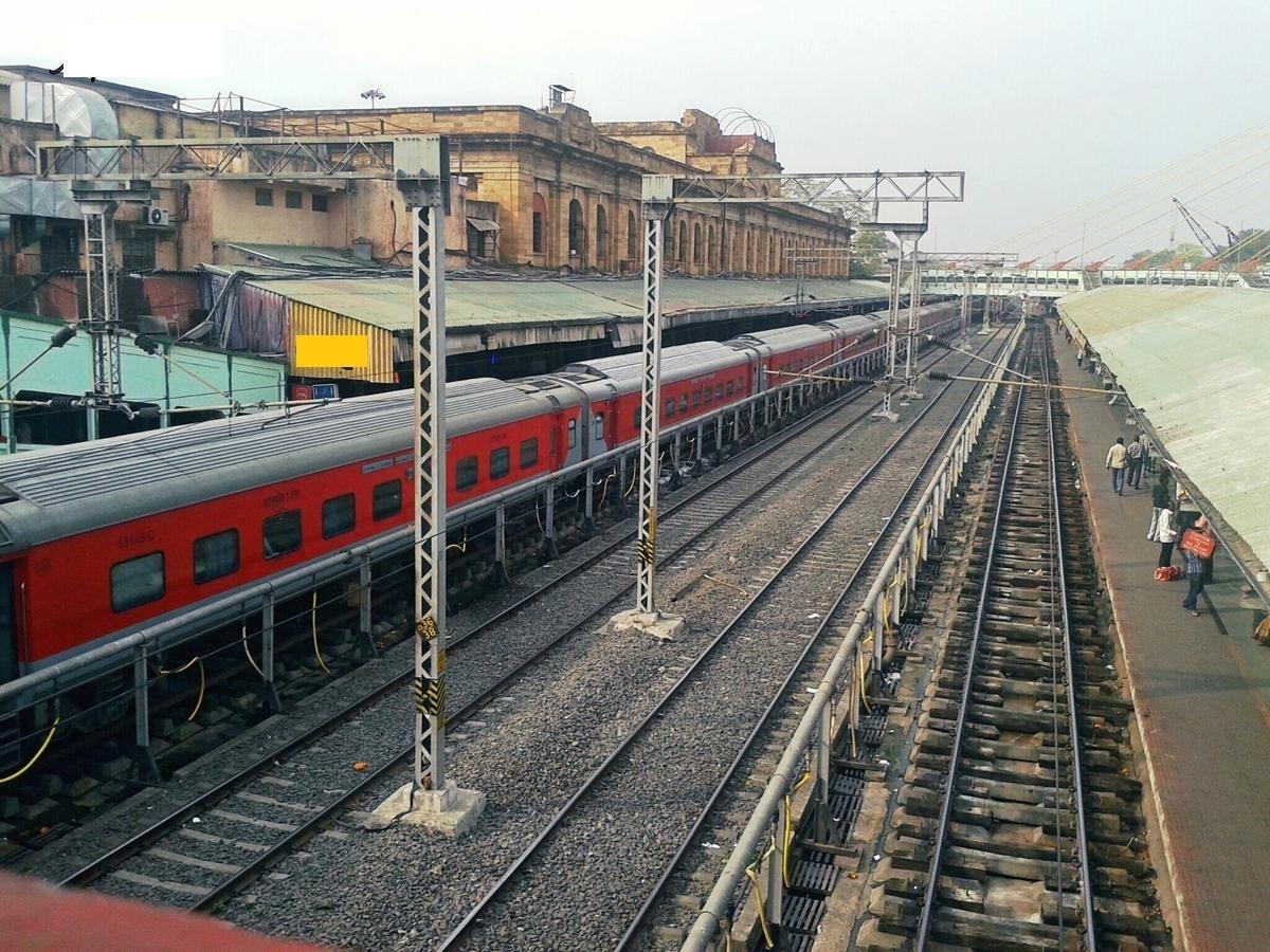 CR eyes GPS platform to tag Trackmen for rail safety
