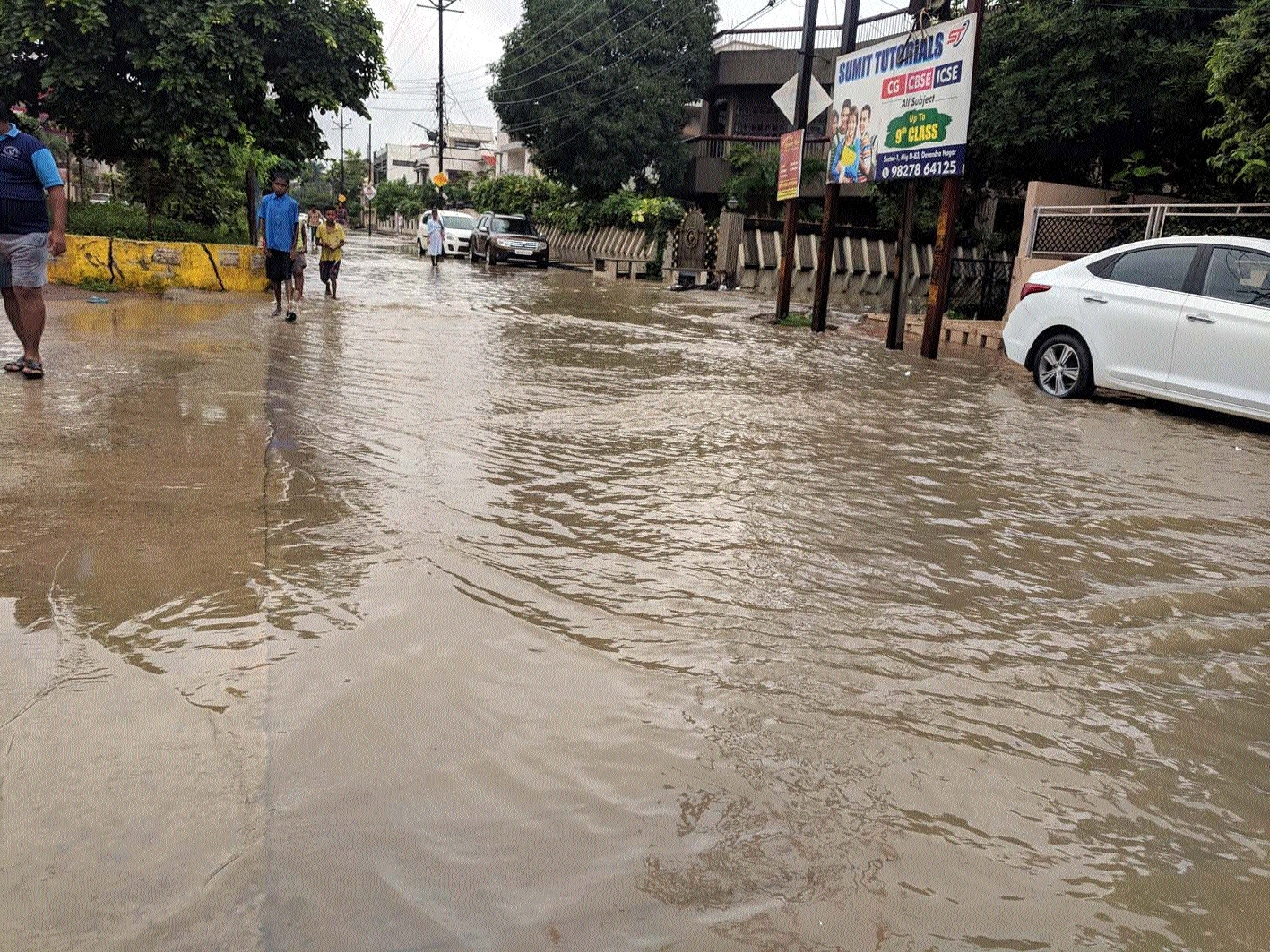 Heavy rains throw life out of gear in State Capital