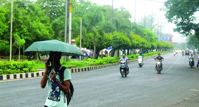 Weather remains cloudy, sporadic places to get rains