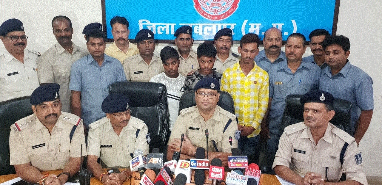Three held, stolen booty worth Rs 5 lakh recovered