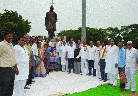 Rich tributes paid to Pt Ravishankar Shukla