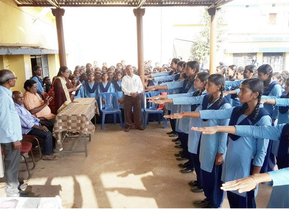 New students' council takes oath at Govt Girls School, Mandirhasoud