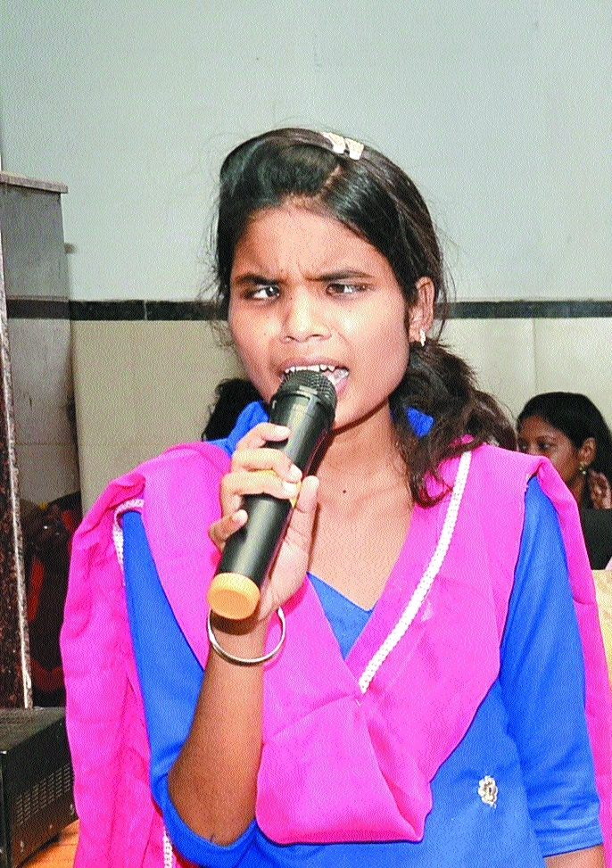 Visually-impaired Roopvarsha, a singer par excellence