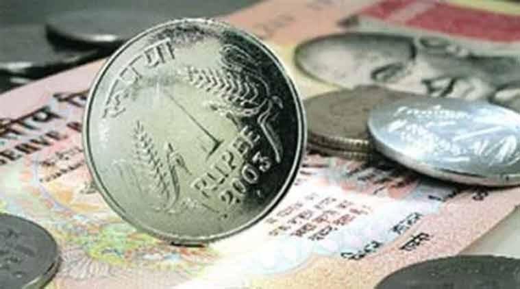 Rupee slumps 26p to close at historic low of 71 per $